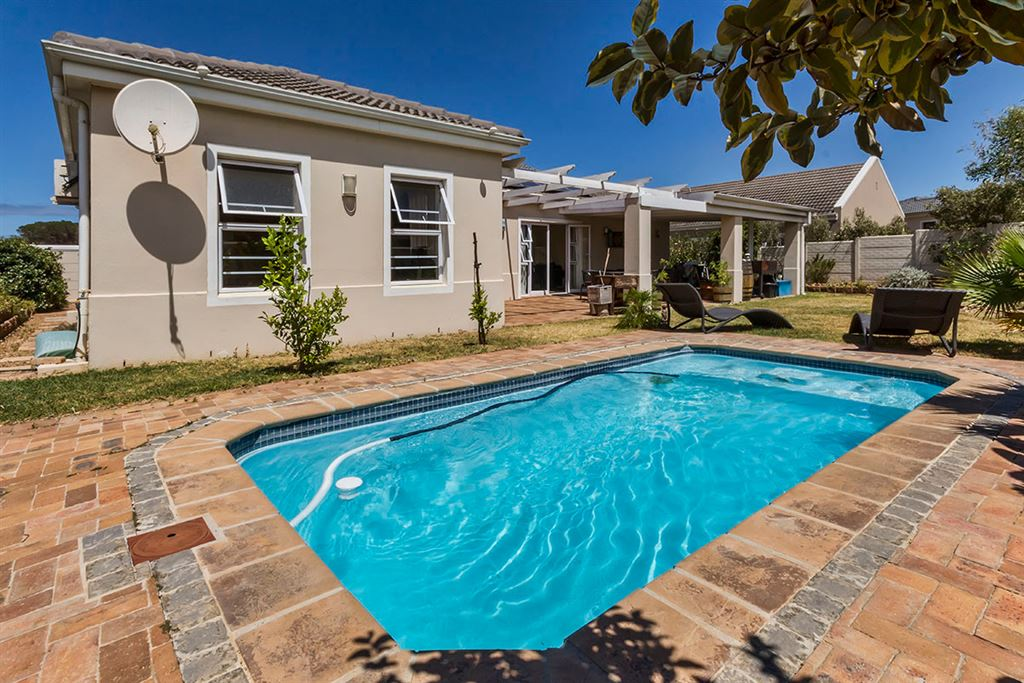 Magnificent Position in Sought after Estate