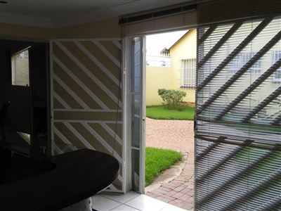 Horison And Ext property for sale. Ref No: 13420299. Picture no 4