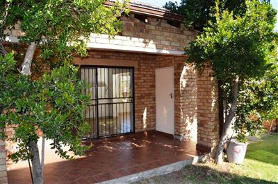 Centurion, Rooihuiskraal North Property  | Houses For Sale Rooihuiskraal North, Rooihuiskraal North, Townhouse 2 bedrooms property for sale Price:860,000