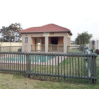 Germiston, Dinwiddie Property  | Houses For Sale Dinwiddie, Dinwiddie, Townhouse 2 bedrooms property for sale Price:455,000