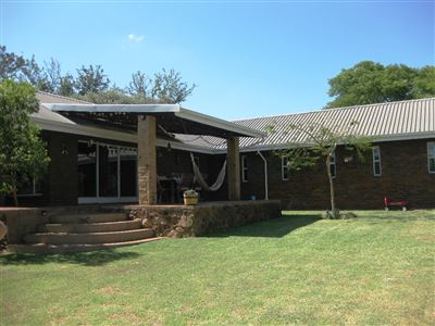 Property and Houses for sale in Buffelsdrift, House, 4 Bedrooms - ZAR 1,750,000