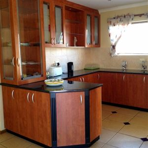 Port Elizabeth, Summerstrand Property  | Houses To Rent Summerstrand, Summerstrand, Townhouse 3 bedrooms property to rent Price:,  9,00*