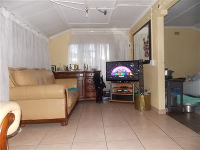 Soweto, Diepkloof Zone 6 Property    Houses For Sale Diepkloof Zone 6, Diepkloof Zone 6, House 3 bedrooms property for sale Price:450,000