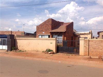 Soweto, Thulani Property  | Houses For Sale Thulani, Thulani, House 2 bedrooms property for sale Price:355,000