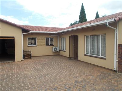 Johannesburg, Ridgeway Property  | Houses For Sale Ridgeway, Ridgeway, House 3 bedrooms property for sale Price:1,895,000