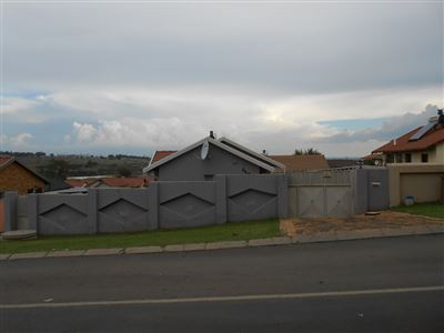 Roodepoort, Groblerpark & Ext Property  | Houses For Sale Groblerpark & Ext, Groblerpark & Ext, House 3 bedrooms property for sale Price:580,000