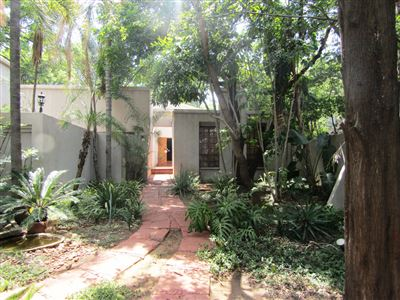 Property and Houses for sale in Menlo Park, House, 6 Bedrooms - ZAR 4,250,000