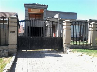 House for sale in Meredale And Ext