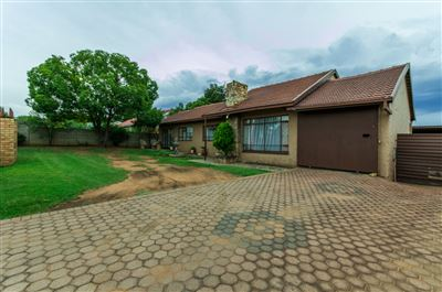 Roodepoort, Witpoortjie & Ext Property  | Houses For Sale Witpoortjie & Ext, Witpoortjie & Ext, House 3 bedrooms property for sale Price:980,000