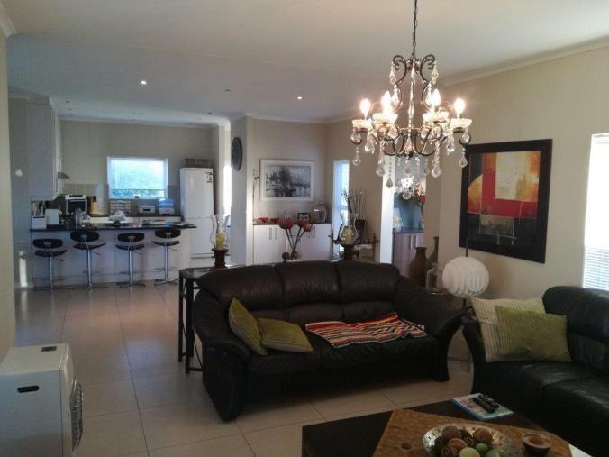 3 Bedroom House - Pinehurst Estate - Durbanville