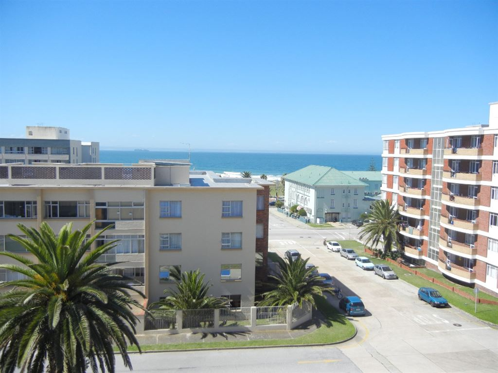 Affordable Apartment with lovely seaviews!