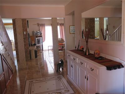 Myburgh Park property for sale. Ref No: 13430451. Picture no 12