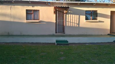 Grahamstown Cbd to rent property. Ref No: 13431526. Picture no 1