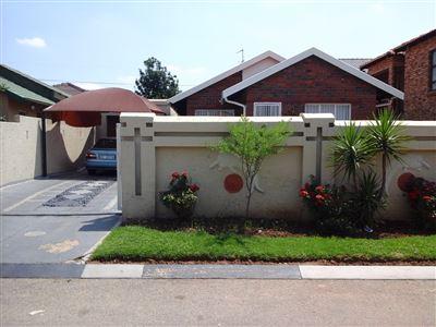 Johannesburg, Naturena Property  | Houses To Rent Naturena, Naturena, House 3 bedrooms property to rent Price:,  6,00*