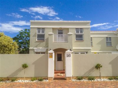 Port Elizabeth, Summerstrand Property  | Houses To Rent Summerstrand, Summerstrand, Townhouse 3 bedrooms property to rent Price:, 13,00*