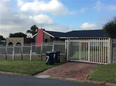 Krugersdorp, Mindalore & Ext Property  | Houses For Sale Mindalore & Ext, Mindalore & Ext, House 3 bedrooms property for sale Price:1,150,000