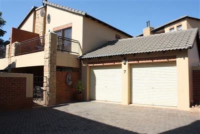 Krugersdorp, Rangeview & Ext Property  | Houses For Sale Rangeview & Ext, Rangeview & Ext, Townhouse 2 bedrooms property for sale Price:899,000