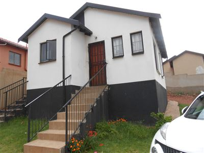 Roodepoort, Groblerpark & Ext Property  | Houses For Sale Groblerpark & Ext, Groblerpark & Ext, House 2 bedrooms property for sale Price:490,000