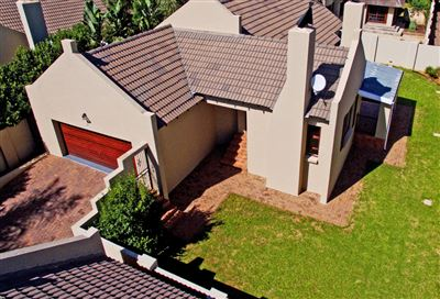 Krugersdorp, Pinehaven Property  | Houses For Sale Pinehaven, Pinehaven, Townhouse 3 bedrooms property for sale Price:1,600,000