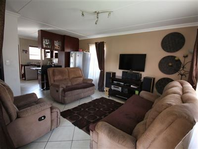 Alberton, New Market Property  | Houses For Sale New Market, New Market, Townhouse 3 bedrooms property for sale Price:1,395,000