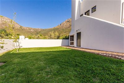 Franschhoek for sale property. Ref No: 13394047. Picture no 25