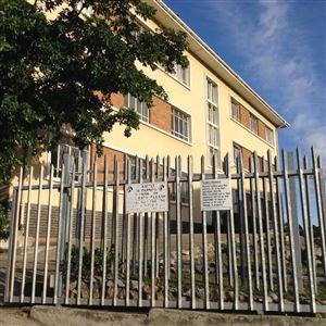 Port Elizabeth, Port Elizabeth Central Property    Houses To Rent Port Elizabeth Central, Port Elizabeth Central, Apartment 3 bedrooms property to rent Price:,  4,00*