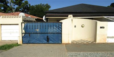 Johannesburg, Rosettenville Property  | Houses For Sale Rosettenville, Rosettenville, House 3 bedrooms property for sale Price:480,000