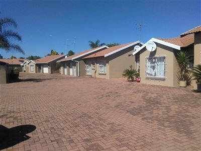 Alberton, Raceview Property  | Houses For Sale Raceview, Raceview, Townhouse 3 bedrooms property for sale Price:1,150,000