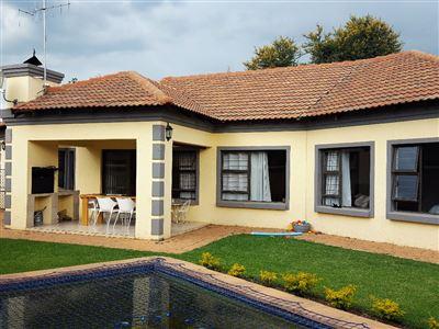 Pretoria, Equestria Property  | Houses For Sale Equestria, Equestria, Cluster 4 bedrooms property for sale Price:1,990,000
