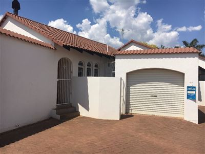 Bloemfontein, Heuwelsig Property  | Houses For Sale Heuwelsig, Heuwelsig, Townhouse 2 bedrooms property for sale Price:799,000