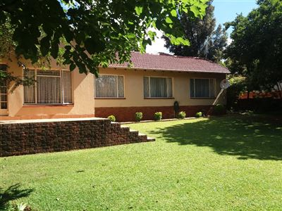 House for sale in Waterkloof Glen