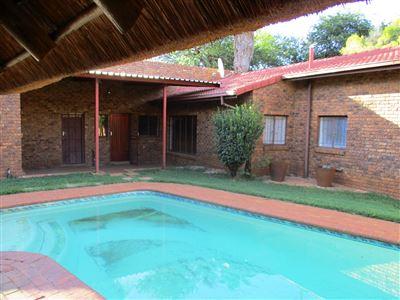 Safari Gardens & Ext property for sale. Ref No: 13437815. Picture no 12