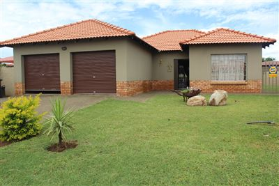Rustenburg, Waterkloof East Property  | Houses For Sale Waterkloof East, Waterkloof East, House 3 bedrooms property for sale Price:1,200,000