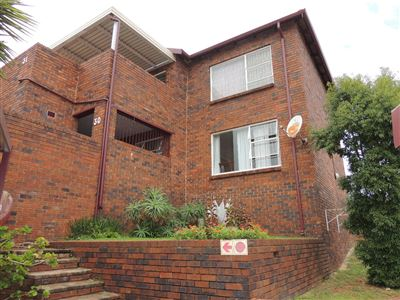 Roodepoort, Wilro Park & Ext Property  | Houses For Sale Wilro Park & Ext, Wilro Park & Ext, Townhouse 2 bedrooms property for sale Price:639,000