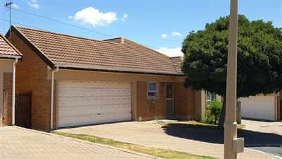 Townhouse for sale in Durbanville