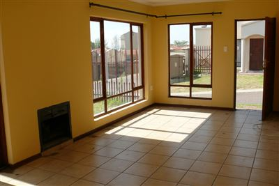 Witbank, Hoeveld Park Property    Houses For Sale Hoeveld Park, Hoeveld Park, Townhouse 3 bedrooms property for sale Price:868,000