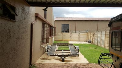 Kameeldrift East property for sale. Ref No: 13439008. Picture no 27