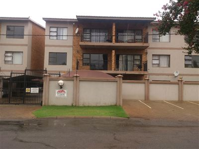 Potchefstroom Central property for sale. Ref No: 13439201. Picture no 2