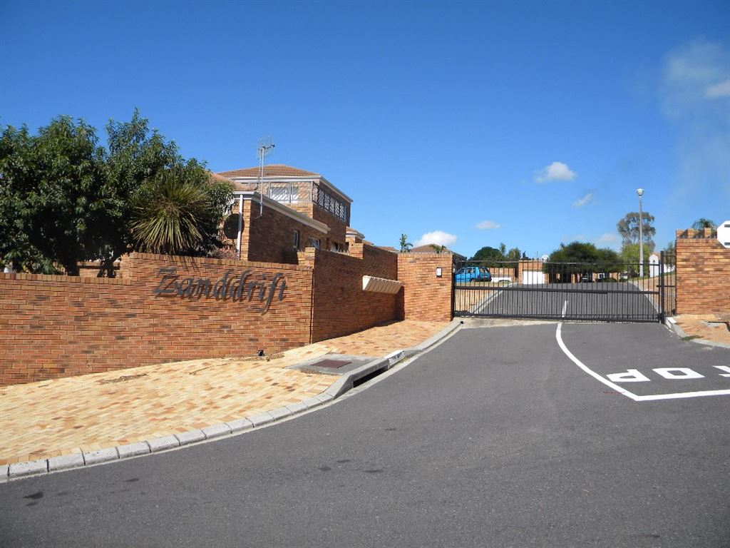 2 Bedroom townhouse for sale in Protea Heights Brackenfell