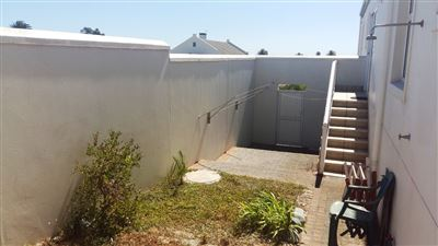 Shelley Point property for sale. Ref No: 13440908. Picture no 13