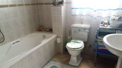 Shelley Point for sale property. Ref No: 13440908. Picture no 15