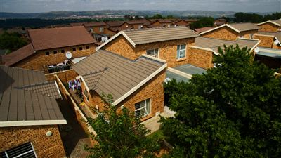 Roodepoort, Honeydew Property  | Houses For Sale Honeydew, Honeydew, Townhouse 2 bedrooms property for sale Price:625,000