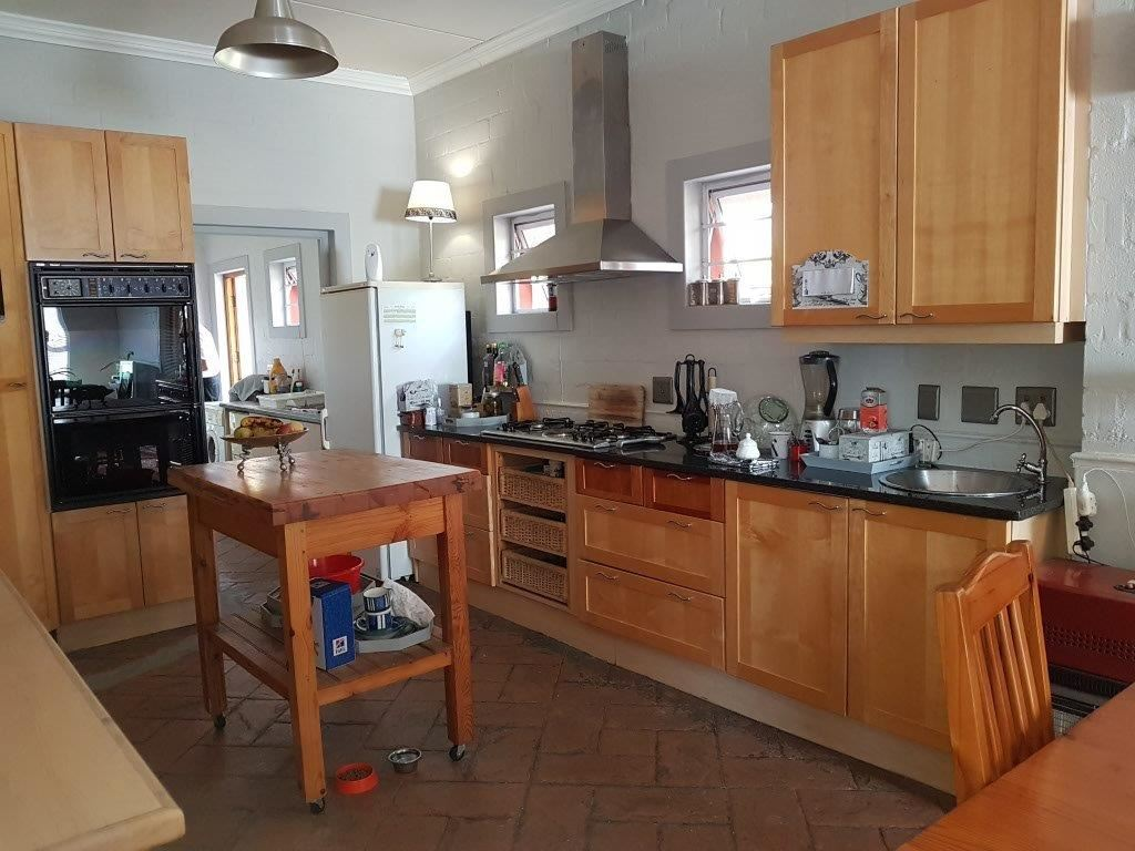 5 Bedroom, 2 Bathroom for sale - Protea Heights, Brackenfell