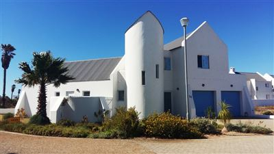 House for sale in Lampiesbaai