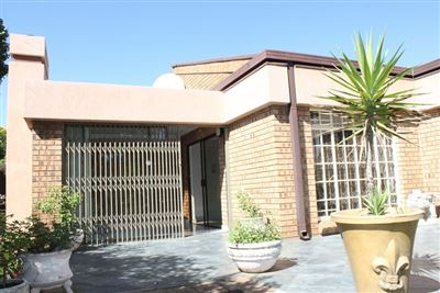 Cluster for sale in Die Heuwel