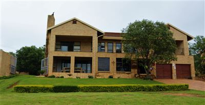 House for sale in Buffelspoort