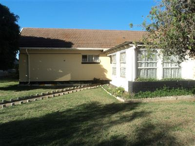 Property and Houses for sale in Vierfontein, House, 2 Bedrooms - ZAR 275,000