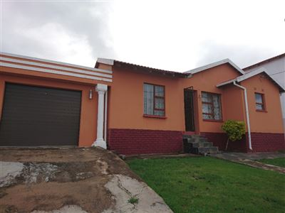 East London, Haven Hills Property  | Houses For Sale Haven Hills, Haven Hills, House 3 bedrooms property for sale Price:800,000