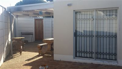 Cape Town, Thornton Property  | Houses To Rent Thornton, Thornton, House 2 bedrooms property to rent Price:,  9,00*