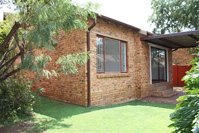 Roodepoort, Little Falls Property  | Houses For Sale Little Falls, Little Falls, Townhouse 2 bedrooms property for sale Price:780,000